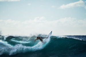 guy-surfing