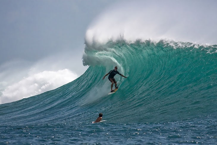 surfing-big-waves
